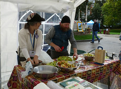 October 1st, 2016 Reading Town Meal 2016 (5) - Preparing for the apple press (karenblakeman) Tags: readingtownmeal2016 forburygardens reading uk 2016 october food localcommunities abundance applepress readingfoodgrowingnetwork rfgn transitiontownreading apples 2016pad