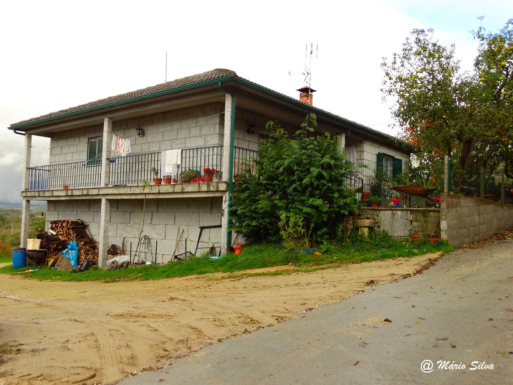 Águas Frias (Chaves) - ... casa na Aldeia ...
