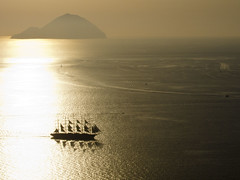 sailing ship (LOST_Horizon_83) Tags: sunset sea italy silhouette island ship sail eolie saling eolian