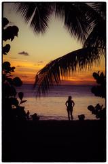 A l'heure des moustiques. (Toniofoto) Tags: saint anne soleil martinique femme coucher jour contre antilles