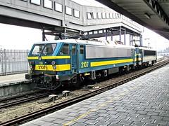 2107 + 2135  Oostende  01.02.09 (w. + h. brutzer) Tags: digital train nikon 21 eisenbahn railway zug trains locomotive oostende belgien lokomotive elok eisenbahnen sncb eloks webru