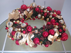 Christmas Wreath of Ornaments (shaire productions) Tags: christmas xmas decorations red holiday gold golden decorative picture wreath ornaments photograph decor
