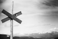 X marks the path (simonlinde) Tags: white black canon kodak sweden tmax f1 iso 100 mm 35 abisko