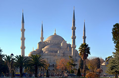 Blue Mosque / Sultanahmet (Images George Rex) Tags: architecture turkey istanbul mosque ottoman bluemosque domes minarets tr islamic sultanahmet sultanahmetcamii sultanahmedmosque weloveistanbul ccbyncsa20 sedefkârmehmedağa imagesgeorgerex photobygeorgerex