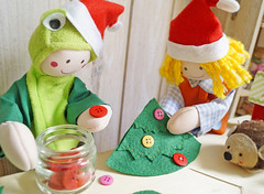 Decorando com botes ou como quiser! (BoniFrati) Tags: tree cute natal diy craft rvore tutorial pap molde passoapasso bonifrati craftchristmas natalcraft