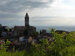 Monforte d'Alba (fotomie2009) Tags: monforte dalba piemonte piedmont italy italia church chiesa panorama alba catari landscape bell tower