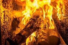 Feuer - bei dem Wetter schn zum aufwrmen (holgerpommerien) Tags: fire holz feuer brennt heizung