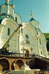 87. Установка крестов на фонтаны 2004 г