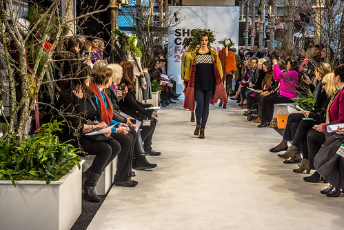 SONIA REYNOLDS PRESENTS HER SELECTION OF THE BEST OF IRISH FASHION- REF-101318