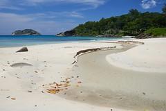 Grand'Anse [ le de Mah ~ Seychelles ] (emvri85) Tags: sun beach zeiss soleil seychelles plage grandanse grandeanse mah d800e