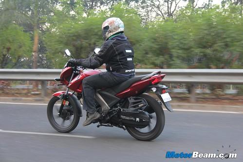Honda-CB-Unicorn-160-02
