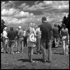 Kent State 40th Memorial 2010 #10050707 (jimhairphoto) Tags: blackandwhite blancoynegro film 40th anniversary 120film hasselblad hp5 remembrance ilford 2010 120mm kentstate blancinegre blancetnoir may4 jimhairphoto schwarzeaufweis siyahrebeyaz