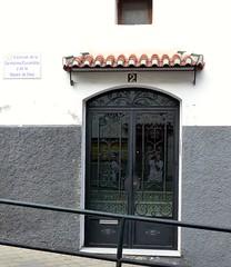 Grenade, Andalousie (Marie-Hlne Cingal) Tags: door espaa andaluca puerta iron granada porta porte grenade espagne tr fer andalousie