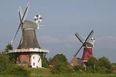 Tweelingmolens (Mary Berkhout) Tags: blue red green germany windmills ostfriesland duitsland molens niedersachsen lowersaxony greetsiel maryberkhout
