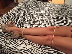 IPhone 197 (Curto_um_pezinho) Tags: woman sexy feet girl up sex foot shoe high arch legs bondage sensual wife pernas heel salto ropes tied teso alto sapato esposa
