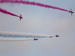 IMG_7869 (Guy Sleeman) Tags: red day military lincolnshire national arrows redarrows cleethorpes forces humber armed airdisplay theredarrows afdnel16