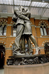 The Meeting Place. Sculpture by Paul Day (He also did the Battle of Britain Monument) (gormifox) Tags: statues stpancras paulday meetingplace londontrainstations