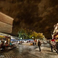 France / Paris / Montmartre (Pablo A. Ferrari) Tags: street longexposure sky urban paris france architecture night noche calle arquitectura cityscape urbano francia nuit aire nocturne libre parisian parisien pabloferrariphotography