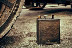 Oil Can (nigelboulton72) Tags: esso oil can mechanic engineering lubrication vintage