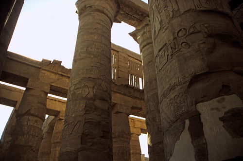 "Ägypten 1999 (340) Karnak-Tempel: Großer Säulensaal im Tempel des Amun-Re • <a style=""font-size:0.8em;"" href=""http://www.flickr.com/photos/69570948@N04/28866846560/"" target=""_blank"">View on Flickr</a>"