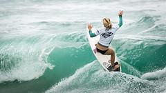 Sophie McCulloch.....     2016 SupergirlPro (Schoonmaker III) Tags: oceansideca pacificcoast prosurfer sophiemcculloch supergirlpro surfing wsl womensprosurfing supergirljam surfboard surfergirl surferchick paulmitchellsupergirlpro