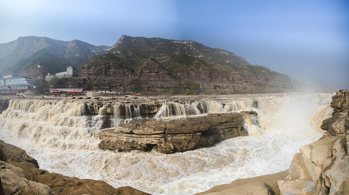 HUKOU WATERFALL-1