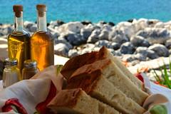 Bread and Olive oil (VivaViena!) Tags: sea bread mar meer mediterraneo greece grecia pao griechenland brot mittelmeer limeni vivaviena