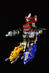 Megazord Tank Mode! (afiqkamen) Tags: toys legacy powerrangers mightymorphin megazord zyuranger tankmode daijyujin megazordtankmode