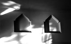 Luces y sombras  Explorer 24/11/14 (Nati Almao1) Tags: hotel bn viajeaplayacanela