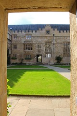 Inner Courtyard, Jesus College Oxford (Geraldine Curtis) Tags: oxford crenelations cotswoldstone honeycolouredstone jesuscollegeoxford