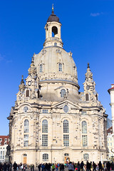 Frauenkirche (Andreas der Starke) Tags: old beautiful stone dresden big nice sand war alt kirche krieg frauenkirche sandstein destroyed gebude barock rebuild gros luther chirch zerstrt wieder hoch aufgebaut wunderschn
