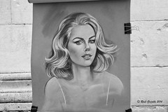 Carboncillo (Ral Grijalbo) Tags: street portrait bw woman art pencil arte retrato picture draw dibujo grijalbo