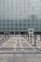 (victortsu) Tags: paris france architecture facade institutdumondearabe ricoh ricohgr faade ima moucharabieh jeannouvel architecturestudio victortsu