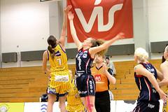Grindavk vs Keflavk (David Eldur) Tags: sports sport ball iceland women dominos sland grindavk leikur keflavk krfubolti suurnes rttir kvenna karfanis karfan rstin