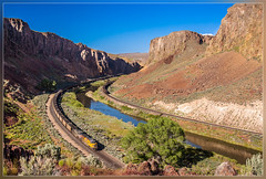 UP 8106, Palisade (NV) 4.6.2014 (VTZK) Tags: train river humboldt unitedstates nevada zug canyon unionpacific coal palisade trein rivier charbon kolen