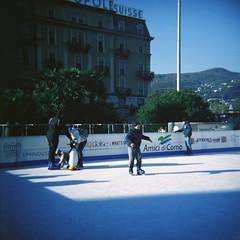 La Citt dei Balocchi 2013 (sirio174 (anche su Lomography)) Tags: christmas como ice iceskating skating skaters diana dianaf skates stalls pattini pattinaggio bancarelle pattinaggiosughiaccio cittdeibalocchi natgale