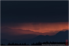 at the edge of the night (alamond) Tags: red sky cloud bird night clouds canon dark evening is edge 7d l usm ef mkii markii 70300 brane llens f456 alamond zalar