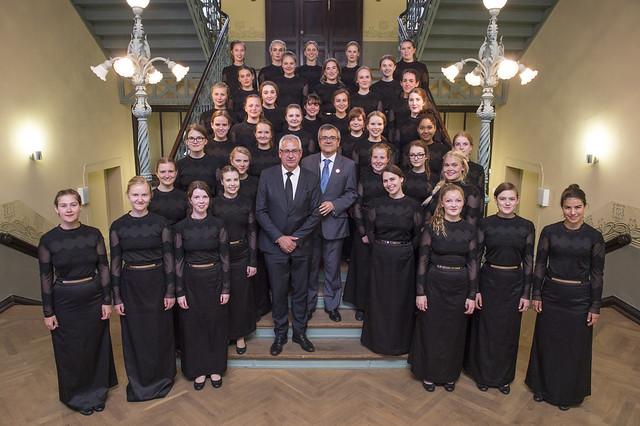 Hans Christian Schmidt and José Viegas pose with Danish choir