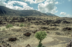 Bolivia, Tiwanaku #10 (foto_morgana) Tags: sky southamerica clouds landscape outdoor scenic bolivia panoramic highland valley nikoncoolscan analogphotography tiwanaku mountainous analogefotografie vuescan bolivianandes travelexperience photographieanalogue