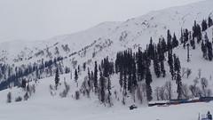 Gulmarg Gondola (Rckr88) Tags: india mountain snow mountains asia gondola kashmir gulmarg gulmarggondola