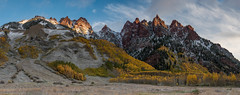 Sievers Mountain South, Maroon Bells (tyil.pics) Tags: blue red panorama orange snow clouds sunrise colorado fallcolors maroonbells nikond810