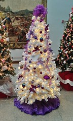 "Alzheimer's ""For The Cure"" Tree  [from Festival Of Trees & Traditions] (ArtFan70) Tags: christmas xmas decorations sculpture usa holiday tree art america hall downtown unitedstates connecticut decoration newengland ct christmastree artmuseum alzheimers cure hartford xmastree wadsworth alzheimersdisease lightsculpture jeremyhall wadsworthatheneum forthecure downtownhartford festivaloftreestraditions alzheimersforthecuretree festivaloftreesandtraditions"