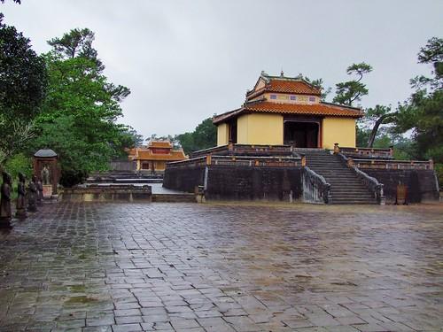 hue - vietnam 68