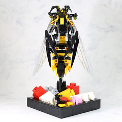 Yellow Jackets Counter-attack-4 (LEGO 7) Tags: yellow counter lego attack antman jackets