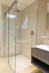 3L5A6412 (terrygrant1) Tags: bathroom porcelain tiling