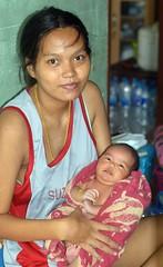 mother and recently born baby (the foreign photographer - ) Tags: baby portraits thailand born nikon bangkok young mother lard bang bua recently khlong bangkhen d3200 phrao jun42016nikon