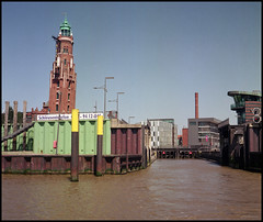 Bremerhaven Analog 2016 (408) (Hans Kerensky) Tags: rolleiflex automat 35a 6x6 tlr lens schneider xenar 135 75mm fujicolor pro 160ns film scanner plustek opticfilm 120 bremerhaven leaning tower