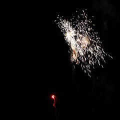 Fireworks 2014 (Rebecca Jay Thorne) Tags: white lines gold golden fireworks explosion streams streaks 2014
