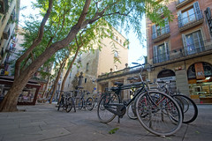 Raval in Barcelona (mattkayphotography) Tags: barcelona street city streets building spain europe streetphotography espana espagne rues bâtiment ville barcelone immeuble raval quartier bario