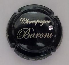 "Capsule Champagne Baroni strass swarovski • <a style=""font-size:0.8em;"" href=""http://www.flickr.com/photos/55864099@N00/15651446040/"" target=""_blank"">View on Flickr</a>"